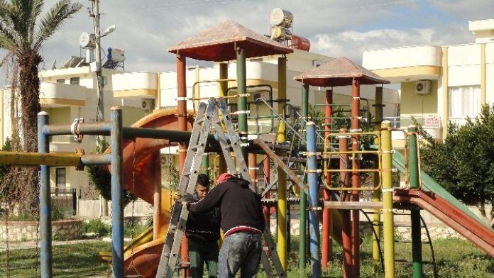 Silifke'de Parklar Bakıma Alındı