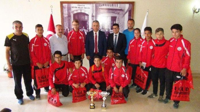 Türkiye Birincilerinden Kaymakam Cinbir'e Ziyaret