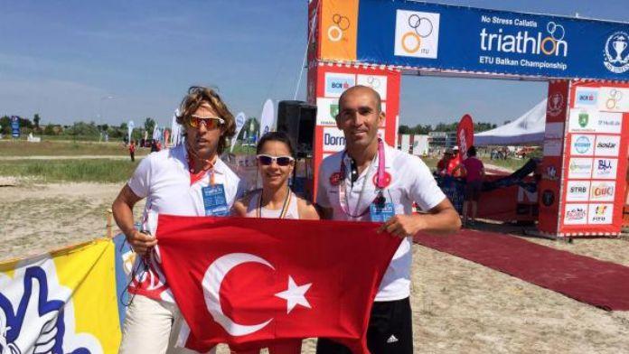 İpek, triatlonda Balkan Şampiyonu