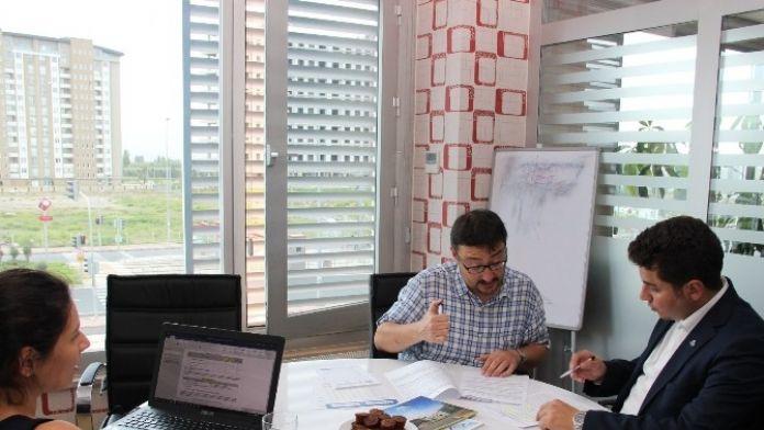 Erciyes Teknopark'ta Akademisyenlere Proje Yazma Rehberlik Hizmeti