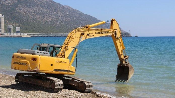 Silifke Belediyesi Yeşilovacık Sahilini Yeniden Düzenliyor