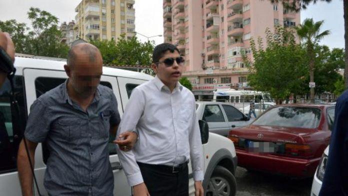 Görme engelli Cüneyt Arat, Cumhurbaşkanı'na hakaretten gözaltına alındı
