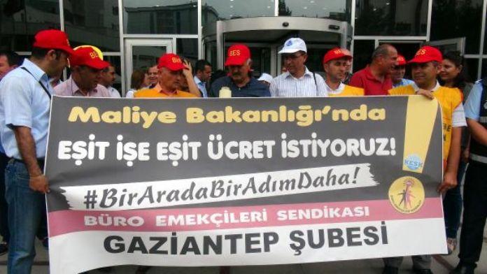 Maliye çalışanlarından eşit ücret talebi