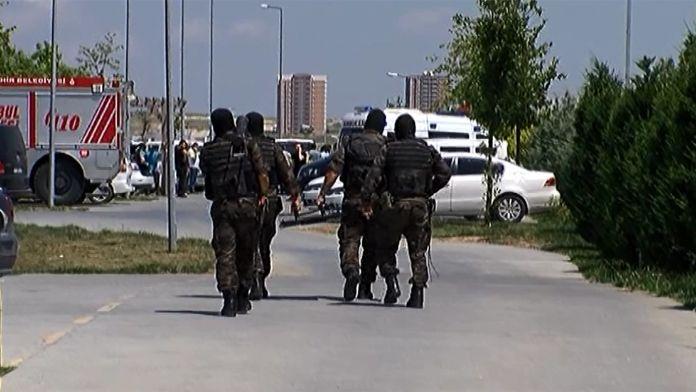 İstanbul'da polise ateş açıldı: 1 şehit, 1 yaralı