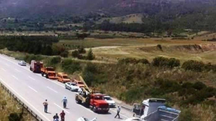 Osmaniye'de Tır Park Halindeki Çekiciye Çarptı: 1 Ölü, 1 Yaralı