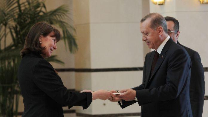 Erdoğan büyükelçinin güven mektubunu aldı