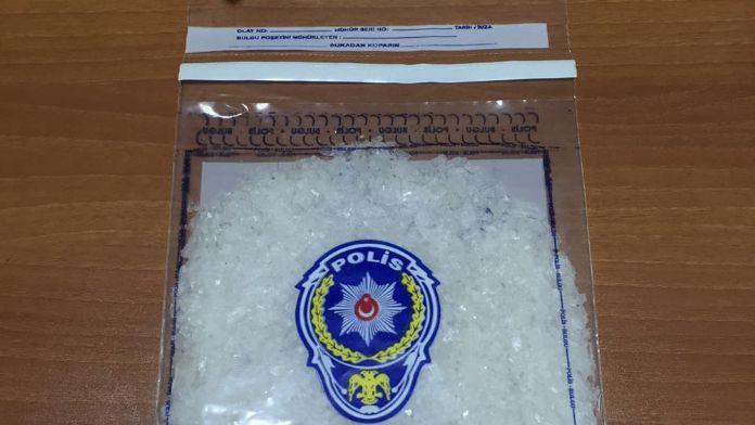 Cips paketinde 70 bin TL'lik uyuşturucu