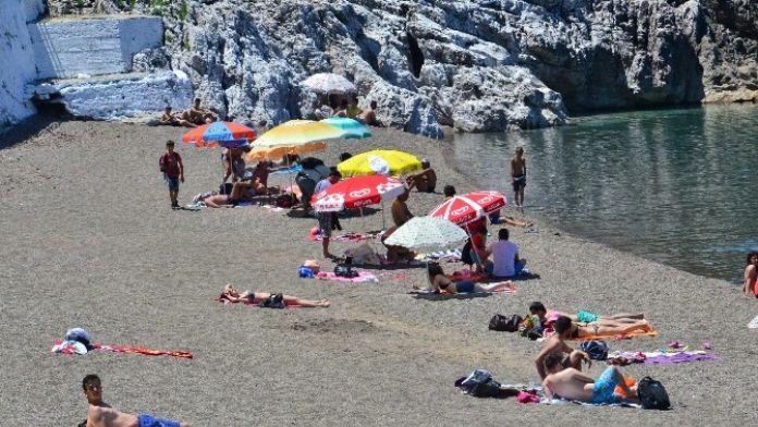 Kapuz Plajı 1 Temmuz'da Açılıyor