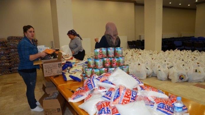Butso'dan 700 Aileye Gıda Yardımı