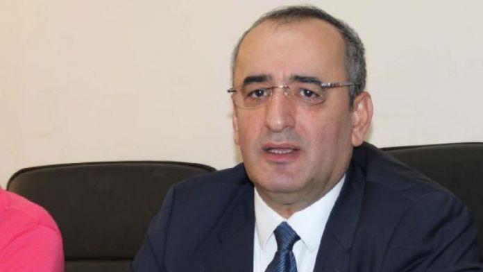 CHP'li Akar yolcu garantisi verilen havalimanlarını meclise taşıdı