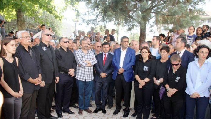 'Erdoğan'ın kişiliğine hakaret etmedik'