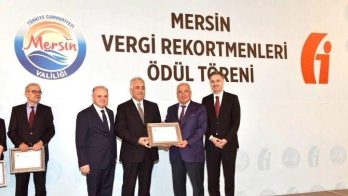 Kurumlar Vergisi 7'ncisi Memişoğlu, Ödülünü Aldı