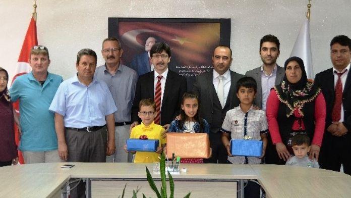 '2. Ulusal Çocuk Resim Yarışması'nda Dereceye Giren Öğrencilere Ödüllendirildi