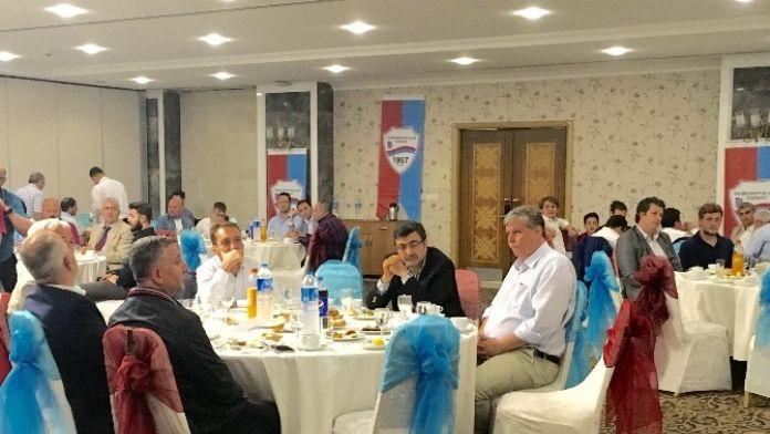 İstanbul'daki Trabzonlular İftar Yemeğinde Buluştu
