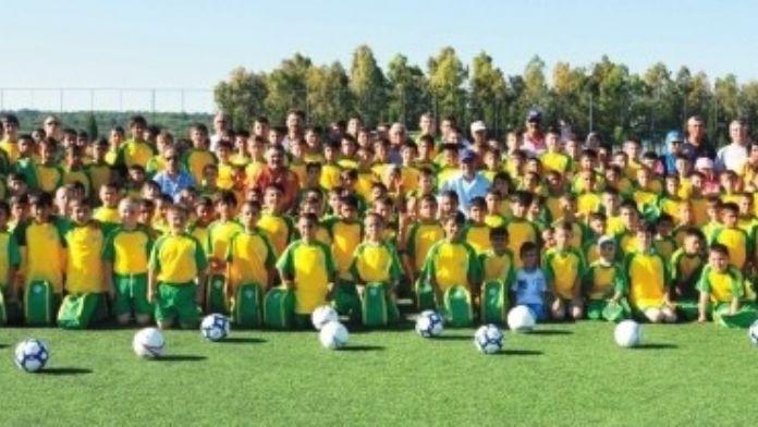 Altınova'da Yaz Spor Akademisi Başlıyor