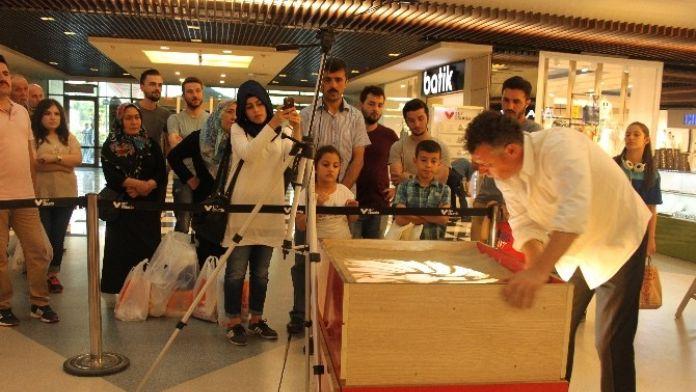 67 Burda Alışveriş Merkezi'nde Kum Sanatı Gösterisi Yapıldı