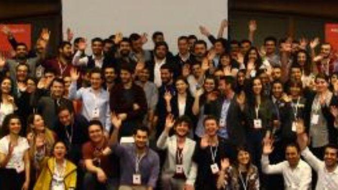 Gençlerin girişimcilik programı CaseCampus bahar dönemi mezunlarını verdi