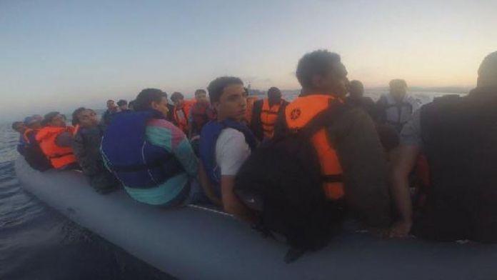 İzmir'de 51 mülteci yakalandı