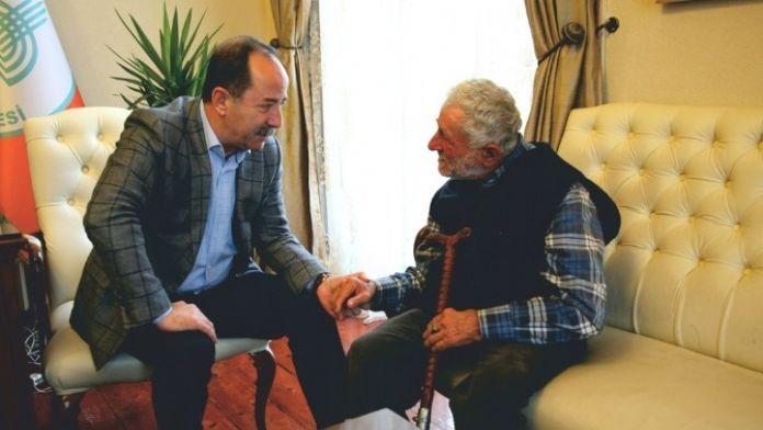 Edirne Belediye Başkanı Gürkan, Babalar Gününü Kutladı