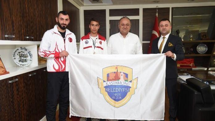Başkan Babaş, Wushu Balkan Şampiyonu Çayan'ı Ödüllendirdi