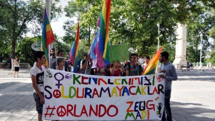 Gaziantep'teki LGBT'liler, Orlando katliamını kınadı