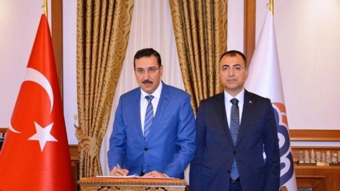 Bakan Tüfenkci'den Vali Toprak'a 'Hayırlı Olsun' Ziyareti
