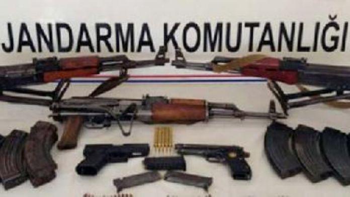 Hilvan'da silah kaçakçılığı operasyonu: 2 gözaltı