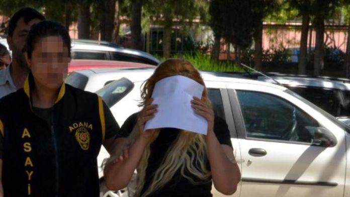 Abla ile kız kardeşi fuhuş yaparken yakalandı