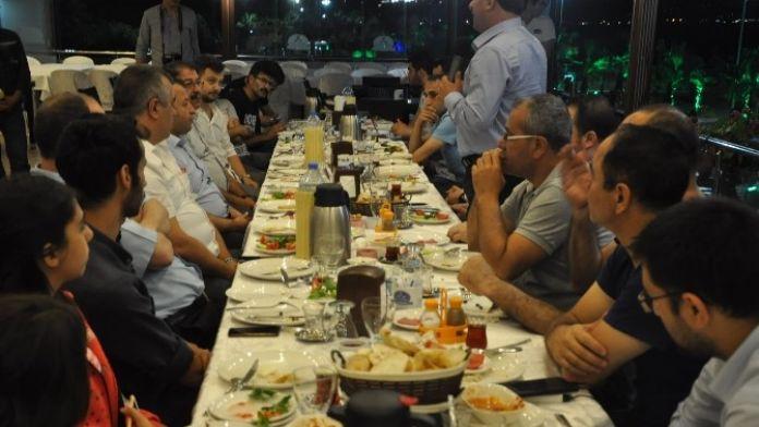Başkan Karabacak, Basın Mensuplarıyla Sahurda Bir Araya Geldi
