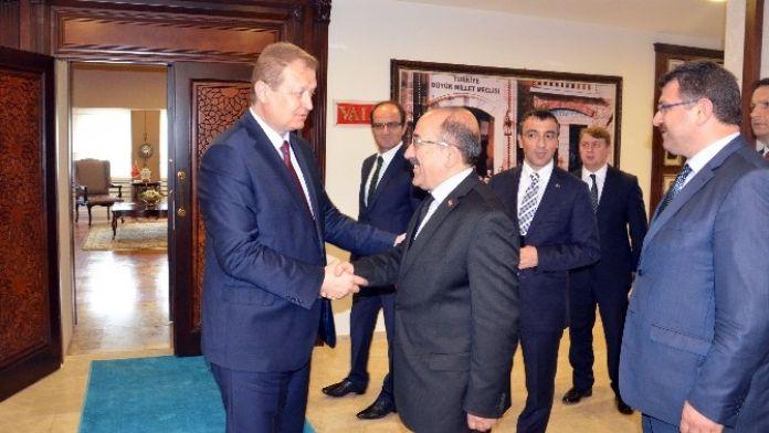Başkan Gümrükçüoğlu'dan Vali Yavuz'a 'Hayırlı Olsun' Ziyareti