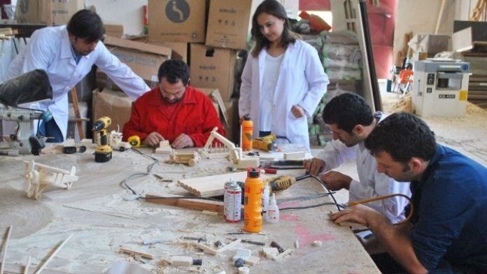 (Özel Haber) Üniversite Öğrencileri Organik Oyuncak Üretmeye Başladı