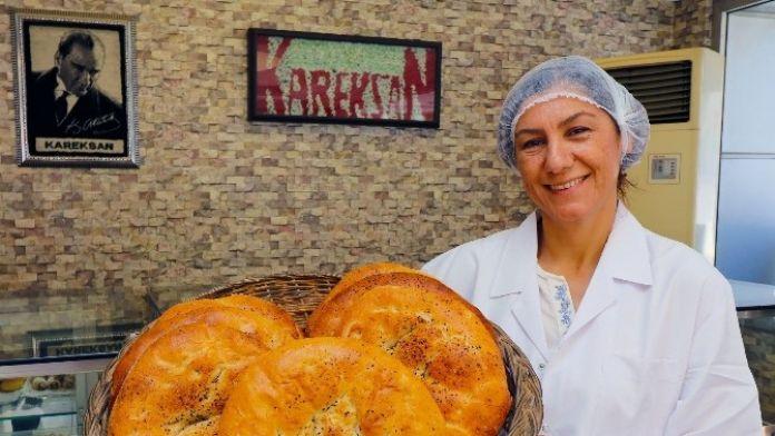 İzmir'de Vatandaşlara Ramazan Pidesi Desteği