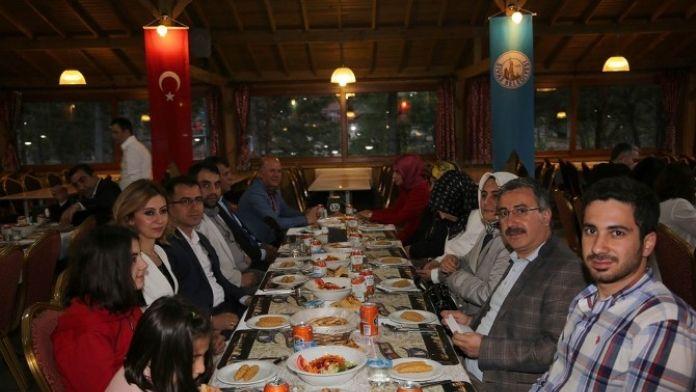 Başkan Aydın, Meclis Üyeleriyle İftarda Buluştu