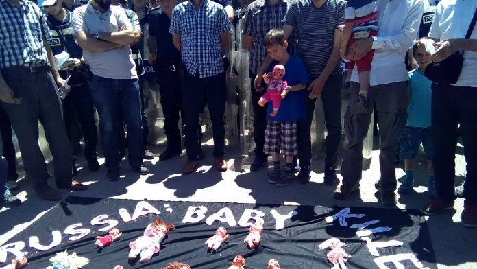 Rusya Büyükelçiliği önünde 'Suriye' eylemi
