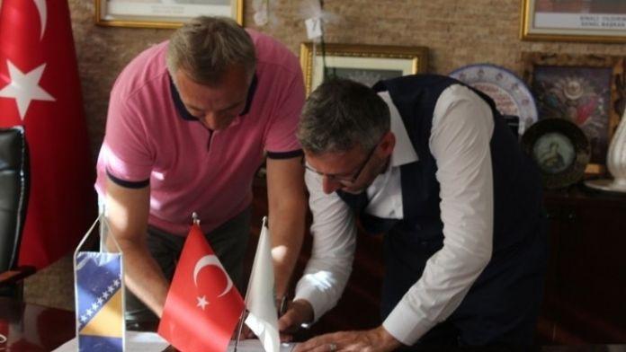 Sarıcakaya Bosna-hersek'in Kladanj Belediyesi İle Kardeş Oldu