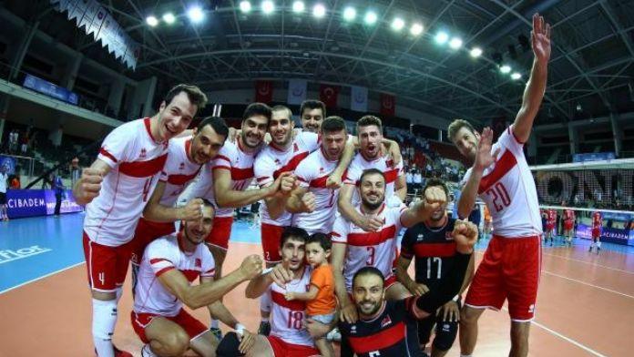 Milli Voleybolcular Slovakya'yı devirdi