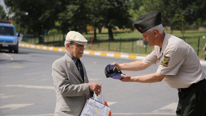 Jandarmadan 'Babalar Günü' sürprizi