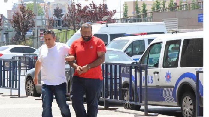 Ek fotoğraflar // Firuzağa'daki saldırı olayında gözaltına alınan 2 kişi adliyeye sevkedildi