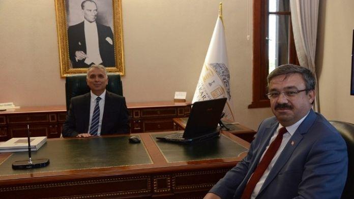 AK Parti'den Afyonkarahisar Valiliğine Atanan Aziz Yıldırım'a 'Hayırlı Olsun' Ziyareti