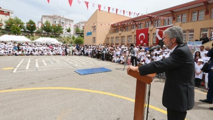 En Fazla Atık Pil Toplayan Okullar Ödüllendirildi