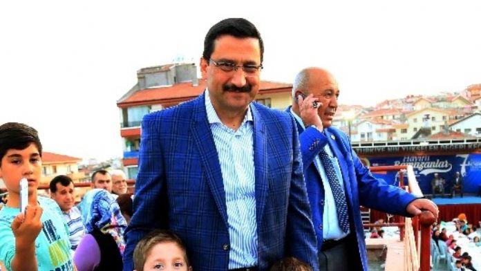 Keçiören'de İftar Sofrası Bu Kez Sancaktepe'de Kuruldu