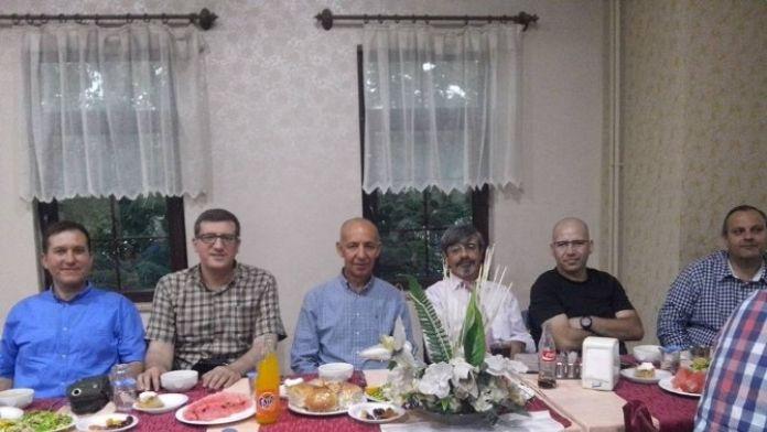 Afdos Üyeleri İftar Yemeğinde Bir Araya Geldi