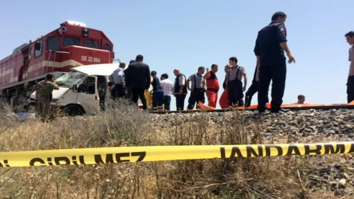 Elazığ'da tren faciası: 9 ölü !