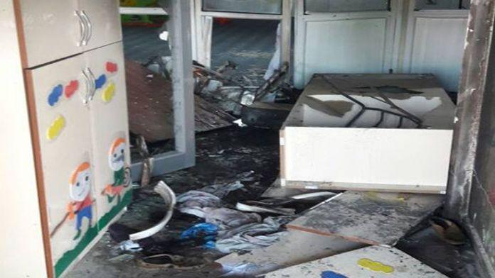 Teröristler anaokuluna el yapımı patlayıcı attı