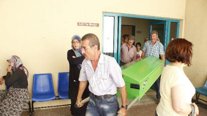 Antalya'da vahşet ! 14 bıçak darbesi ile karısını ...