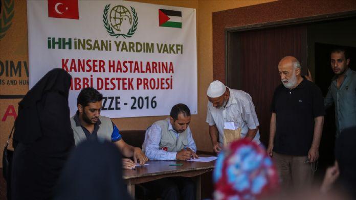 İHH'dan Gazzeli kanser hastalarına nakdi yardım