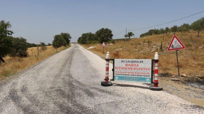 Salihli'de Gurup Yola 47 Kilometre Asfalt