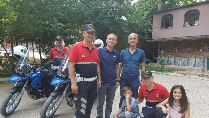 Akyazı Jandarma Motosiklet Timleri Babalar Gününü Kutladı