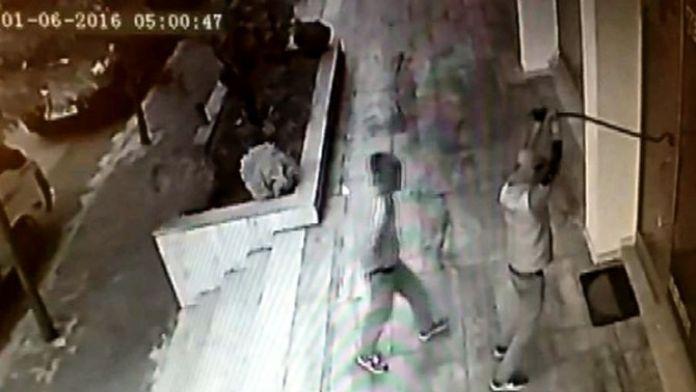 Hırsızlara Barfiks Çektiren Çilingirci