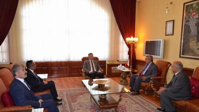Sivas Ticaret Borsası Yönetimi, Vali Gül'ü Ziyaret Etti
